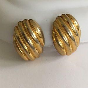 Earrings Vintage Gold Clip Shell Inspired
